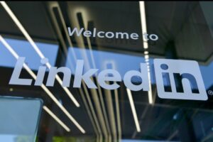 LinkedIn, logo, how to make your company stand out on LinkedIn, Tips for LinkedIn